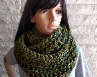 Women's oversized infinity scarf, chunky green circle scarf, women's accessories, gifts for her, fall, winter and spring fashion
