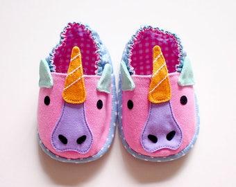 Unicorn Baby Shoes, Unicorn Baby Booties, Elastic Baby Booties, Fabric Baby Shoes, Prewalker Booties, Newborn Infant Booties, Unicorn 03