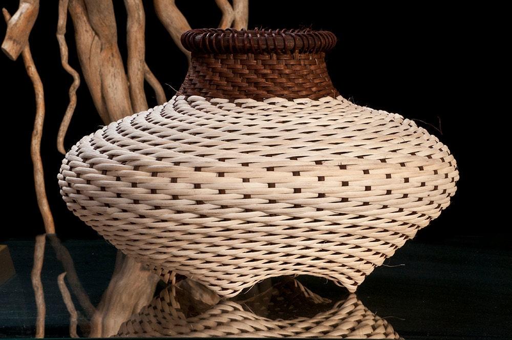 Hand woven baskets medium cat head shape Rattan Reed