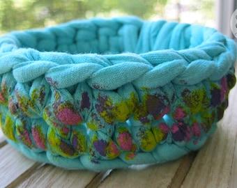 Turquoise crochet bracelet handpainted by acrylic paints Fabric bracelet Summer bracelet Handpainted jewelry Boho style Tshirt yarn bracelet