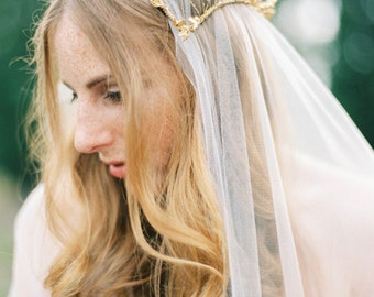 Golden bridal cap, wedding headpiece, bridal crown with mix of beautiful beads leaves, vintage inspired, golden crown, juliette style