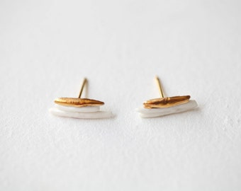 Ariège, porcelain and gold earrings, glazed. Porcelain jewelry