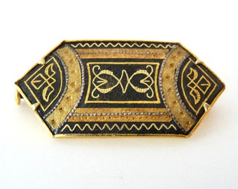 Vintage Art Deco Damascene Brooch Pin Gold Gilt Costume Jewelry from TreasuresOfGrace