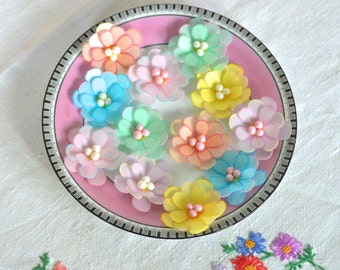 12 x Edible 3D Flowers - Assorted Soft Colours  - Cake, Cupcake Toppers - Wedding Decorations - Wafer Rice Paper - Pearly Bead Centres