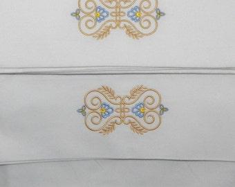 Heirloom Design Pillow Cases 1