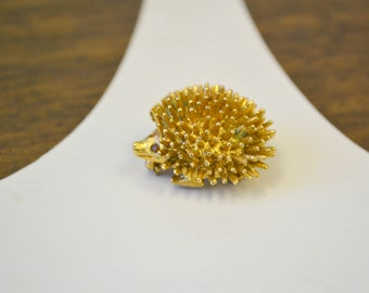 1960s Sarah Coventry Hedgehog Brooch