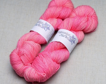 Hand dyed yarn 'Pretty In Pink'
