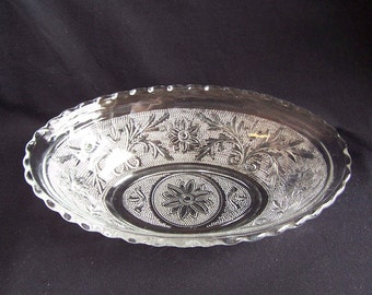 Anchor Hocking Oval Bowl in the Sandwich-Clear Pattern, Vintage Oval Serving Bowl with Scalloped Edge