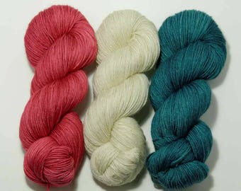 Hand Dyed Yarn - 'Victorian Christmas'  Kit Superwash Merino Gold Stellina Sparkle Yarn Christmas Colours red white green 1260 yards