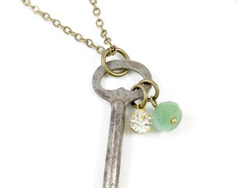 Key Necklace, Vintage Key Necklace, Antique Key Necklace for Women, Birthday Gifts for Her Birthday, Skeleton Key Jewelry, Rustic Jewelry