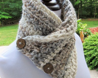 Chunky Cowl PATTERN, Crochet PDF Pattern, Chunky Neck Warmer, Handmade Scarf, Button Cowl, Gift for Her, Winter Accessory, Bulky Cowl