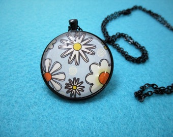 Bold Flower Power DAISIES Cabochon PENDANT Necklace