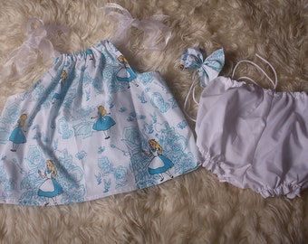 Alice in Wonderland,Cake smash Dress/Top and coordinating bloomers,Baby Girl,Summer Outfit,Ribbon tie Halter neck styl for easy fit,tie back