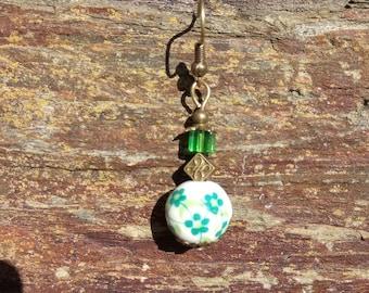 Earrings Goda goda bronze green square bead