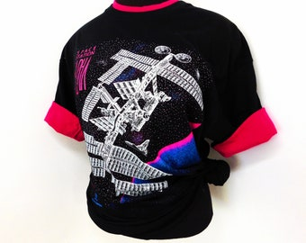 Vintage 90s T Shirt Tee Black Neon Pink Galactic Outer Space Spaceship Graphic Stars Galaxy SciFi Astronomy L Large