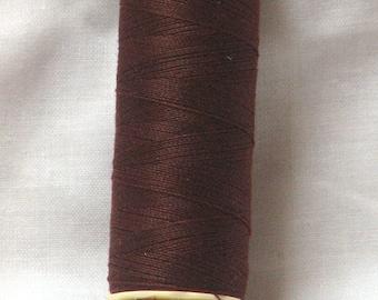 Sew Polyester chocolate brown n 230 Gutermann thread