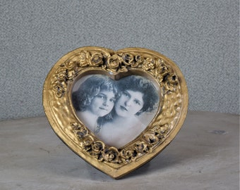 2x2 Mini Frame Heart Shape Flowers Gold Ornate