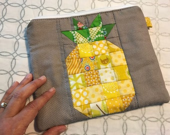 Pineapple Quilted Zipper Pouch