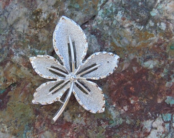 Vintage Sarah Coventry Leaf Brooch, Silver Tone Woodland Curled Leaf, Autumn Fall Wear, Costume Jewelry