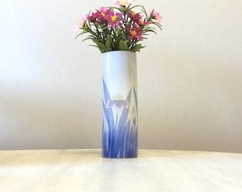 80s ceramic flower vase, mini china bud vase, 80s flower pattern vase, small porcelain flower holder, china bud vase, blue white bud vase