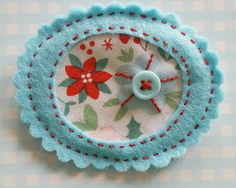 Pretty Posy Brooch. Little flower felt and fabric brooch - handmade by Linen and Roses