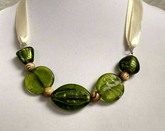 Green Glass Ribbon Necklace...
