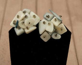 Vintage Shell Clip Earrings - Japan