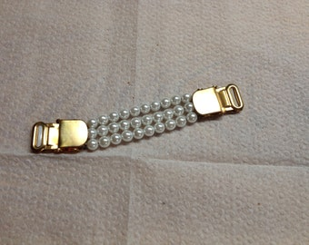 Vintage Faux Pearl and Goldtone Sleeve Holder