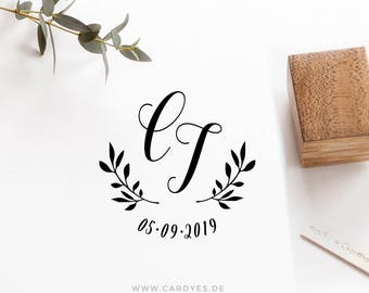 Wedding stamp de luxe • Wedding monogram  • Custom wood stamp • Elegant Wedding Invitations • Personalized Save the Date • Cardyes stamp