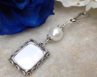 Wedding bouquet photo charm. White pearl memorial charm. Wedding Keepsake. Engagement gift. Bridal shower gift for a bride.