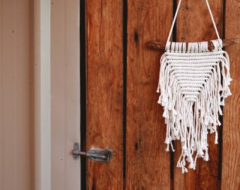 Ava // Home Decor, Macrame Wall Hanging, Wall Hanging, Fiber Art, House Warming, Boho Decor, Nursery