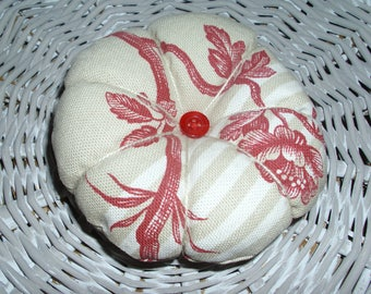 Pincushion sewing pumpkin shape