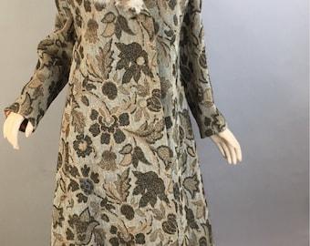 Vintage Tapestry Coat// 60s Fur Collar Coat// Carpetbagger Coat with Fur Collar (F1)