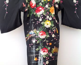 1930s embroidered kimono Japanese vintage antique