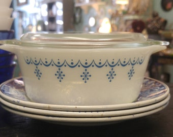 Vintage Snowflake Garland Pyrex Casserole Dish With Lid, 472, 1.5 Pint!
