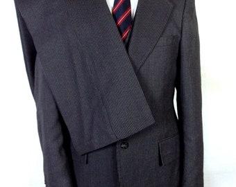 vtg 70s Canvassed Gray Pinstripe Wool Blend Men's 3 Pc Business Suit Vested 38 L