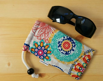 Glasses case,sunglasses case,mandala glasses case,canvas case,quilted glasses case,sunglasses cover,glasses bag,glasses soft case,rainbow