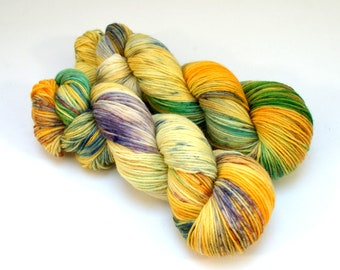 Hand painted  superwash  knitting  yarn dk  weight