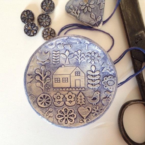 Handmade Tiny ceramic dish, trinket dish, pins dish, folk art pattern, hearts, flowers and home, applique design, quilt pattern, decorative,