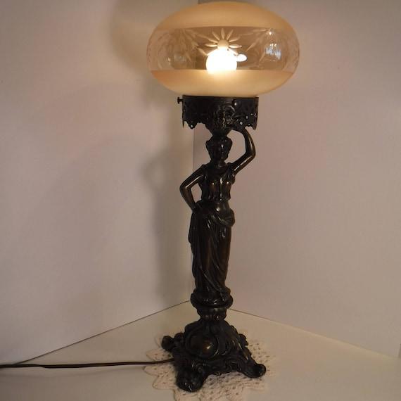 Victorian Lamp, Boudoir Lamp, Roman Lady Figure Globe Lamp, Roman Lady  Table Lamp, Victorian Style Cast Brass Metal Lady Figural Globe Lamp