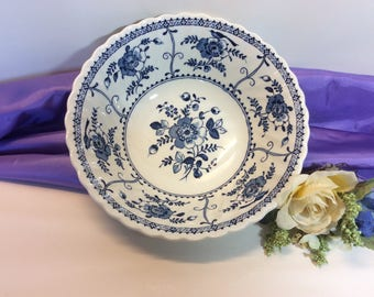 "Vintage Johnson Brothers ""Indies"" Round Serving Bowl 8 1/4"" Blue And White Made in England"