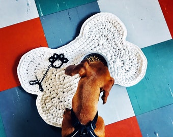 Dog bone Placemat, crocheted in 100% cotton ribbon