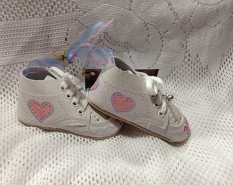 Keepsake Baby Shoes/Baby Girl/Pink Hearts/Baby Shoes/Keepsake/Ornament/Room Decoration/New Baby