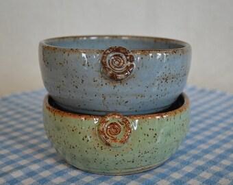 pottery bowls, bowl set, blue bowl, green bowl, soup bowl, cereal bowl, serving bowls, dessert bowls, salad bowls, pasta dishes