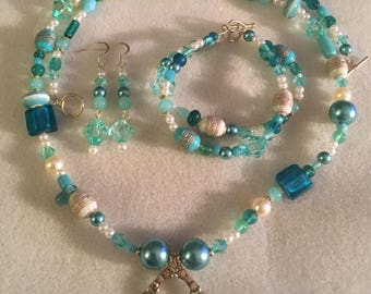 Turquoise Glass Matching Pendant  Necklace, Bracelet and Earrings Set
