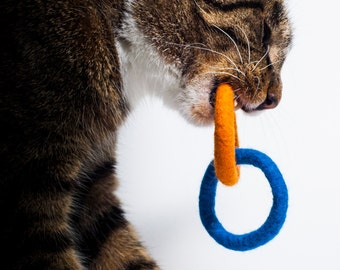 Wool Ring Cluster Cat Toy