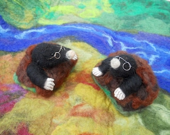 Needle felted Mole, Mole in Molehill, Waldorf, Play mat, Play scape, Play School, Nursery School, Kindergarten, Story time, felted animal