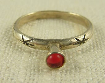 Size 6 Vintage Sterling Glass Delicate Ring