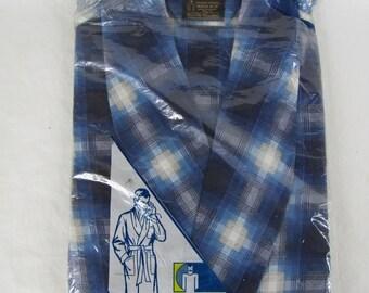 Vintage unopened blue flannel men's robe Medium 38/40