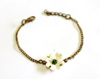 White Dogwood Bracelet, Dogwood Bracelet, White Bridesmaid Jewelry, Dogwood Jewelry, Summer Jewelry